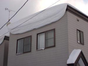 戸建て住宅の雪庇